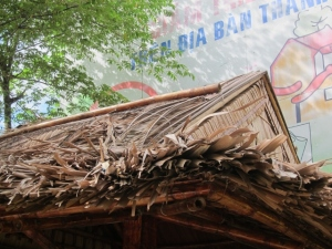 Thatchers use local materials for the roof. In Vietnam, thatched roofs are generally made of coconut palms and bamboo/